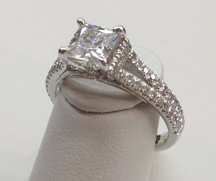 Engagement Ring E1007 - ULMANS JEWLERY
