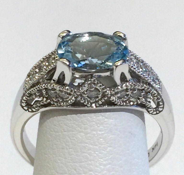 Diamond, Aquamarine and Gold Ring R1130
