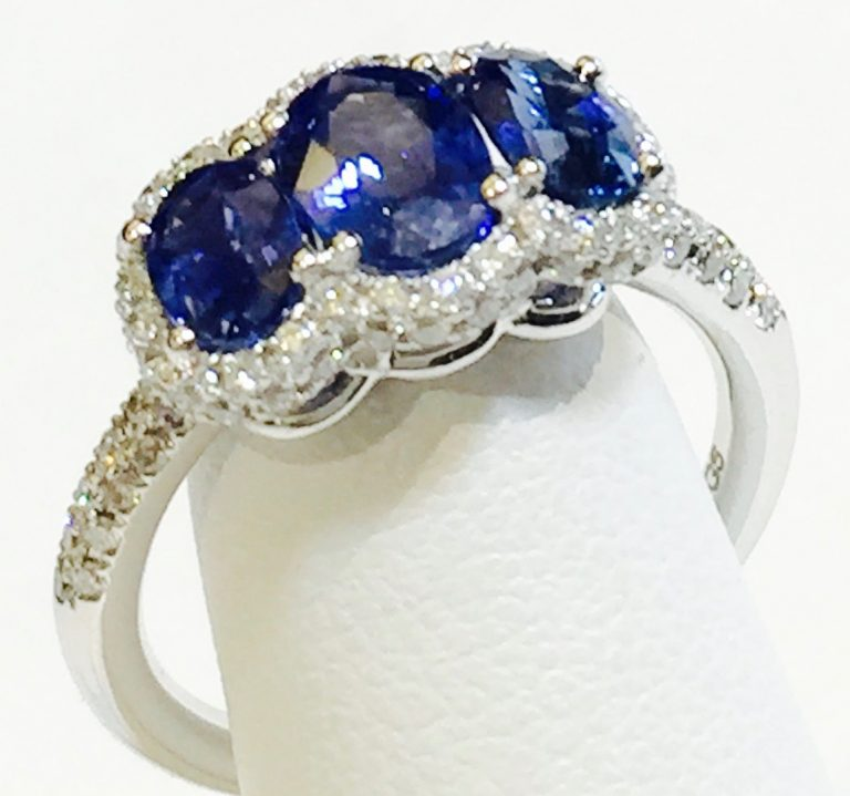 Diamond, Sapphire and Gold Ring R1065