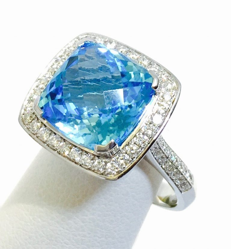 Gold, Diamond and Blue Topaz Ring R1046