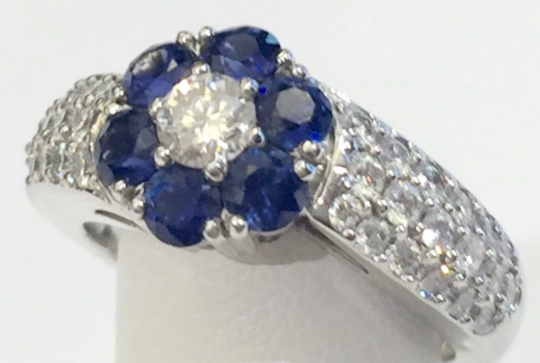 Diamond, Sapphire and Gold Ring R1067