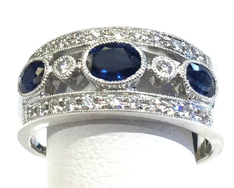 Diamond, Sapphire and Gold Ring R1074