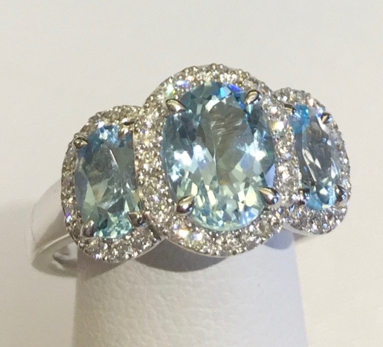 Diamond, Blue Topaz and Gold Ring R 1131