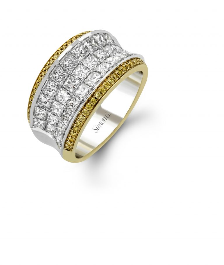 Diamond and Gold Ring R1136